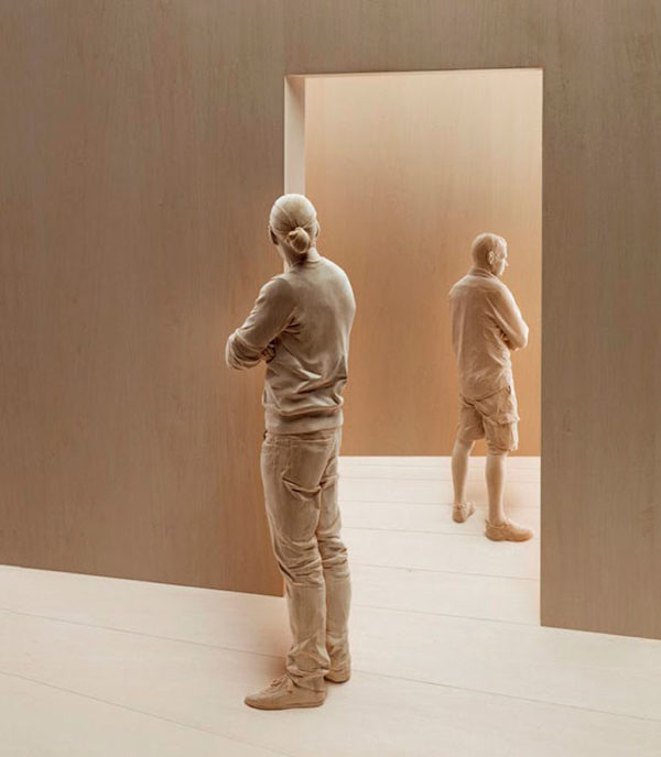 http://juicyworld.org/wp-content/uploads/2017/06/peter-demetz-sculptures_7-e1505947741962.jpg