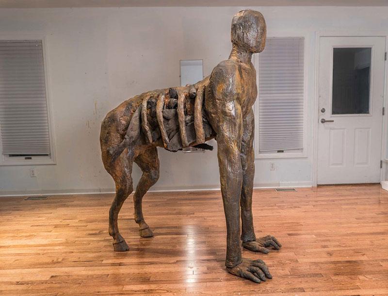 """ames Croak скульптура из серии """"Beasts"""""""