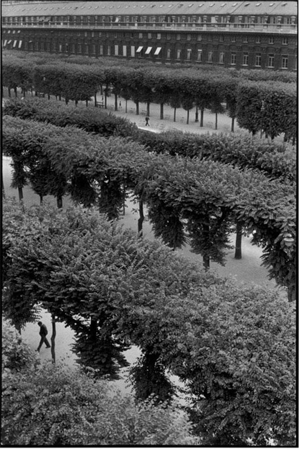 Анри Картье-Брессон (Henri Cartier-Bresson) - знаменитый фотограф
